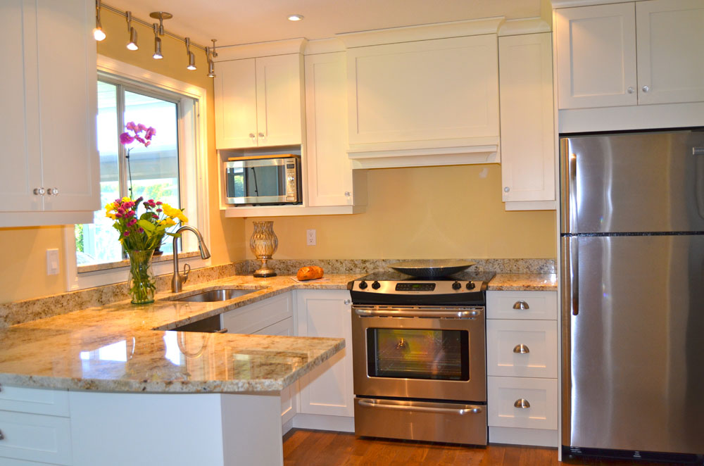 Kitchen project 3 fanny s furniture amp kitchens for Kitchen cabinets kelowna